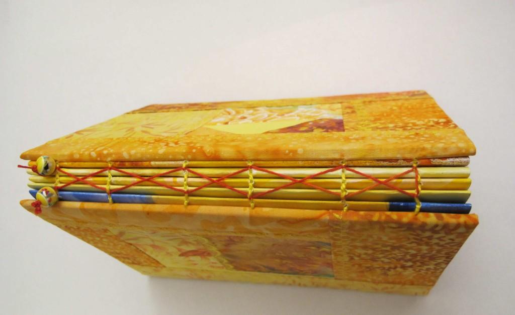 gelbes Buch1 oben