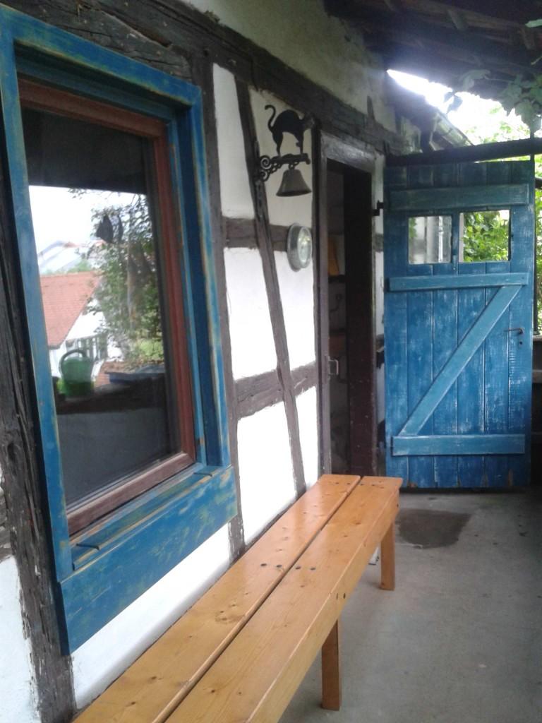 Tür blau
